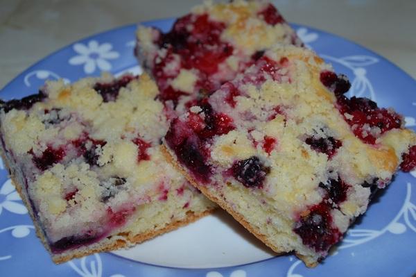 Svieži ovocný koláč