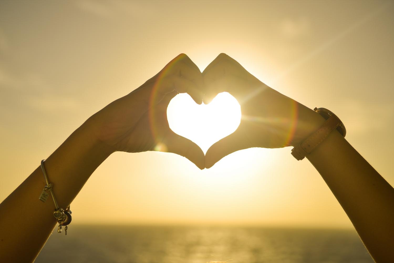 Blog: Muži milujú očami a ženy ušami