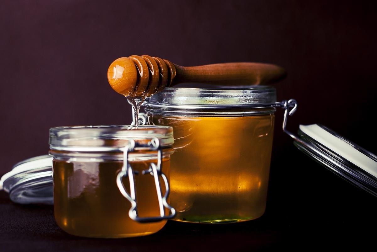 Vedeli ste, že med nám dodáva energiu a má liečivé účinky? A je toho ešte viac!