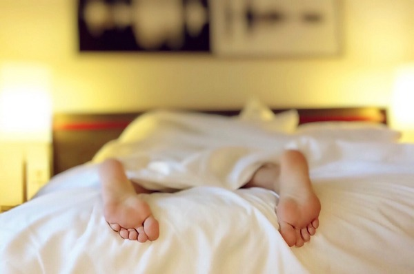 Nemáte dobrý spánok? Týchto 7 tipov vám pomôže zlepšiť ho!