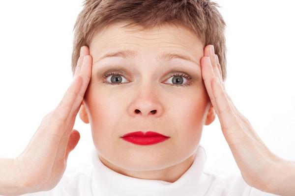 Jednoduchá technika, ktorá nás zbaví stresu a bolesti hlavy len za 30 sekúnd