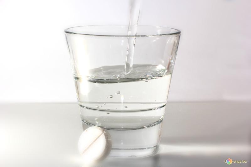 Aj vy používate aspirín iba na zmiernenie bolesti a horúčky? Chyba! Týchto 10 zázrakov dokáže tiež