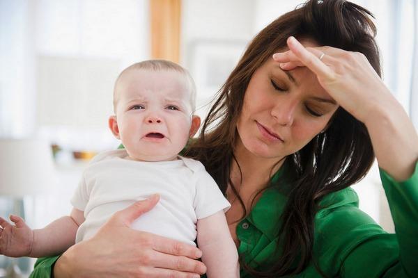 Týchto 6 vecí v žiadnom prípade nerobte matkám po pôrode. Budú z toho totiž vytočené a nervózne