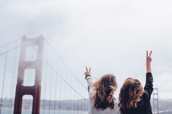 5 spôsobov, ako udržať priateľstvo na diaľku aj počas leta