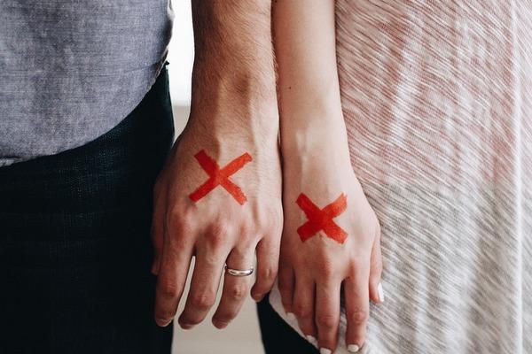 5 viet, ktoré si hovoria partneri v ochabujúcom vzťahu: Nehovorí ti ich náhodou aj ten tvoj?