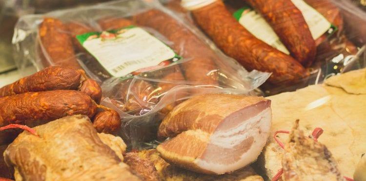 Podľahli ste kúpe lacného mäsa na Vianoce? Možno to oľutujete