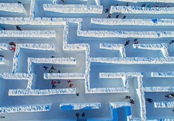 Poliaci majú najväčší snehový labyrint. Pozri sa, aká je Snowlandia premakaná