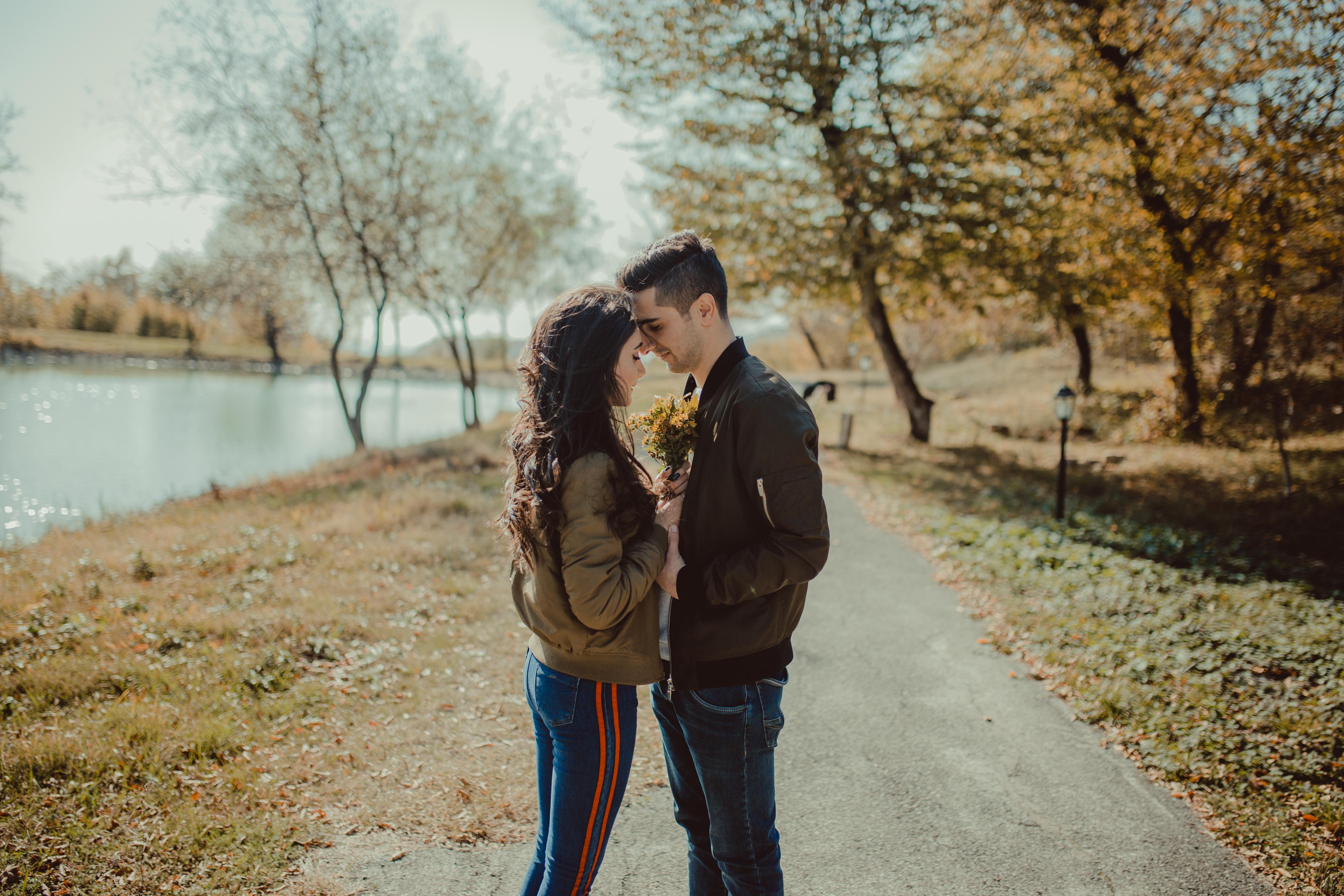 Asexuál nepotrebuje vo vzťahu sex.