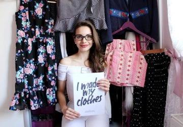 """Ako sa z maniačky na oblečenie stala populárna slovenská blogerka, ktorá ľudí inšpiruje k """"pomalej"""" móde?"""