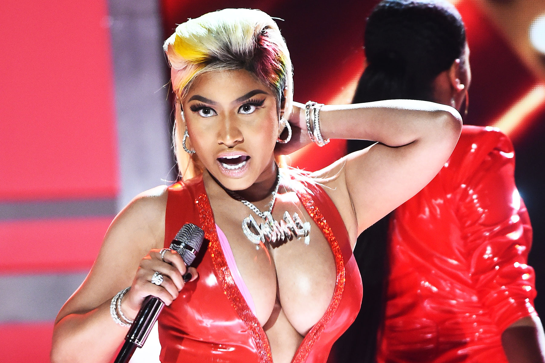 Nicki Minaj zrušila ďalší koncert kvôli homosexuálom!
